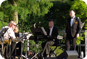 Ian and The Classic Sinatra Swing Band