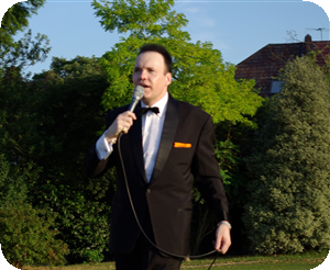 Ian singing at Woodford Wells June 2010